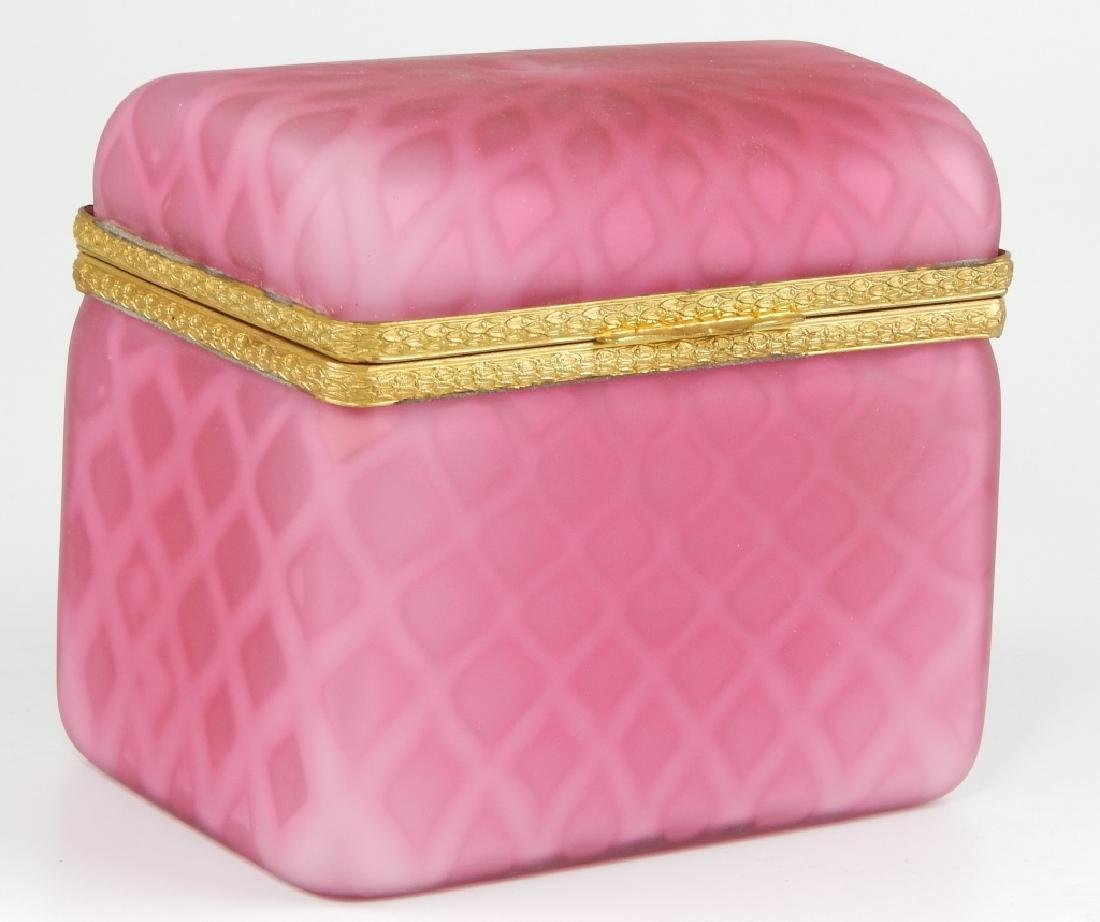 VINTAGE MURANO OPALINE PINK SATIN GLASS HINGED BOX