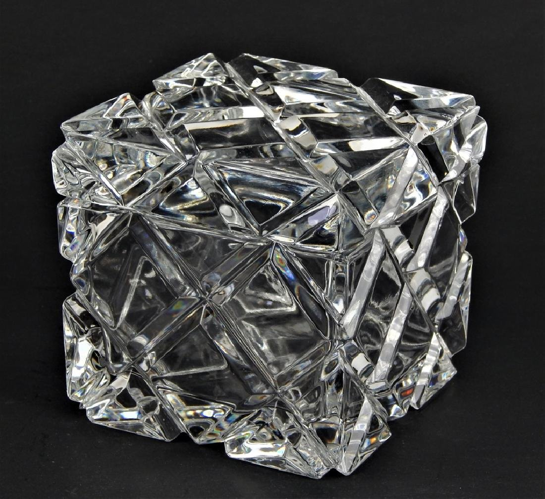 CUT CLEAR CRYSTAL SQUARE FORM COVERED BOX