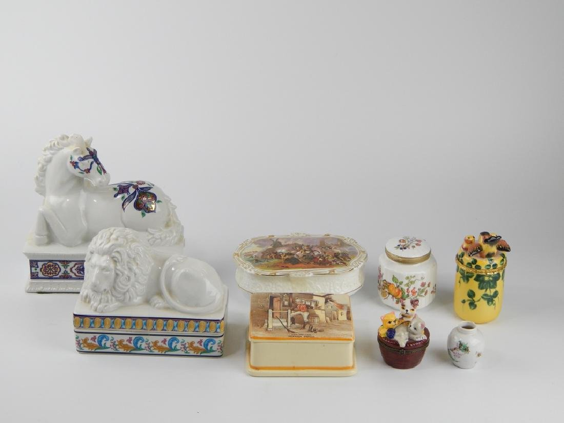 8 PIECE PORCEALIN BOX, TRINKET BOX ITEMS AND VASE