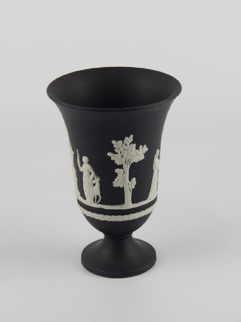 WEDGWOOD BLACK JASPERWARE SCENIC FOOTED VASE - 3