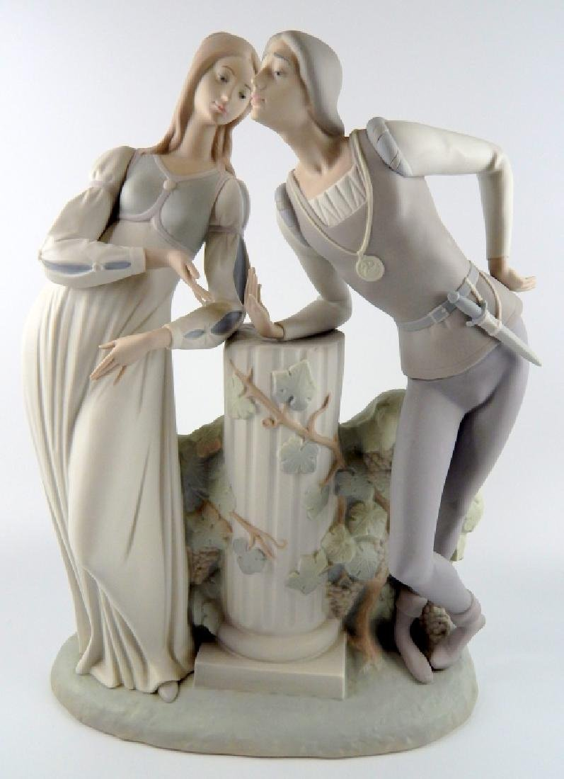 LLADRO SPAIN ROMEO & JULIET GROUP FIGURE 4750