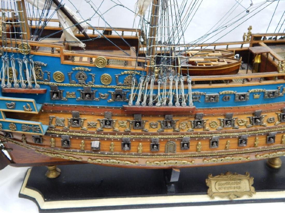 SCALE MODEL OF A DETAILED  BRITISH WAR SHIP - 3