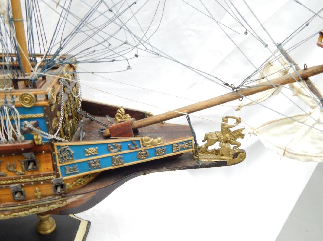 SCALE MODEL OF A DETAILED  BRITISH WAR SHIP - 5