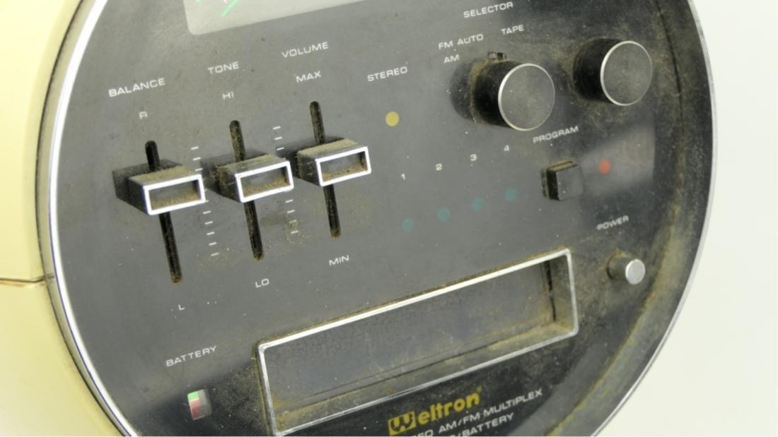 "WELTRON ""SPACE HELMET"" MODEL 2001 8 TRACK PLAYER - 5"