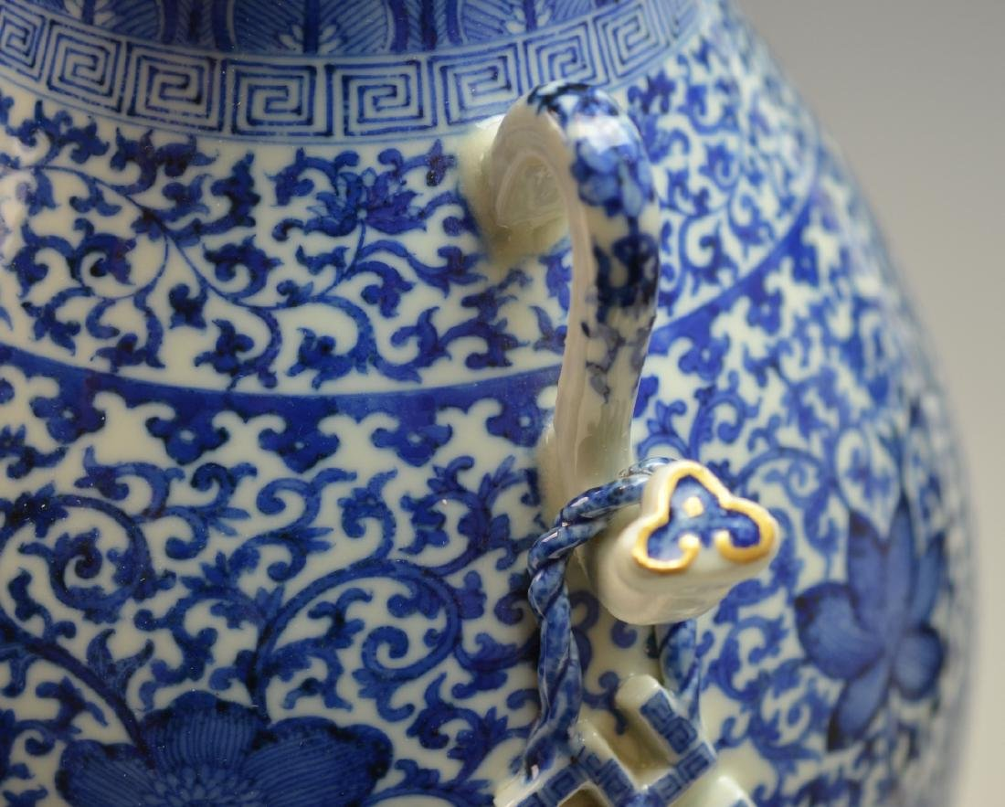 19th CHINESE BLUE & WHITE LANDSCAPE PORCELAIN VASE - 5
