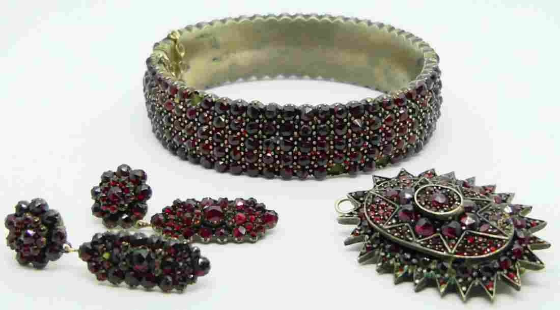 3pc VICTORIAN ROSE CUT GARNET JEWELRY PARURE SET