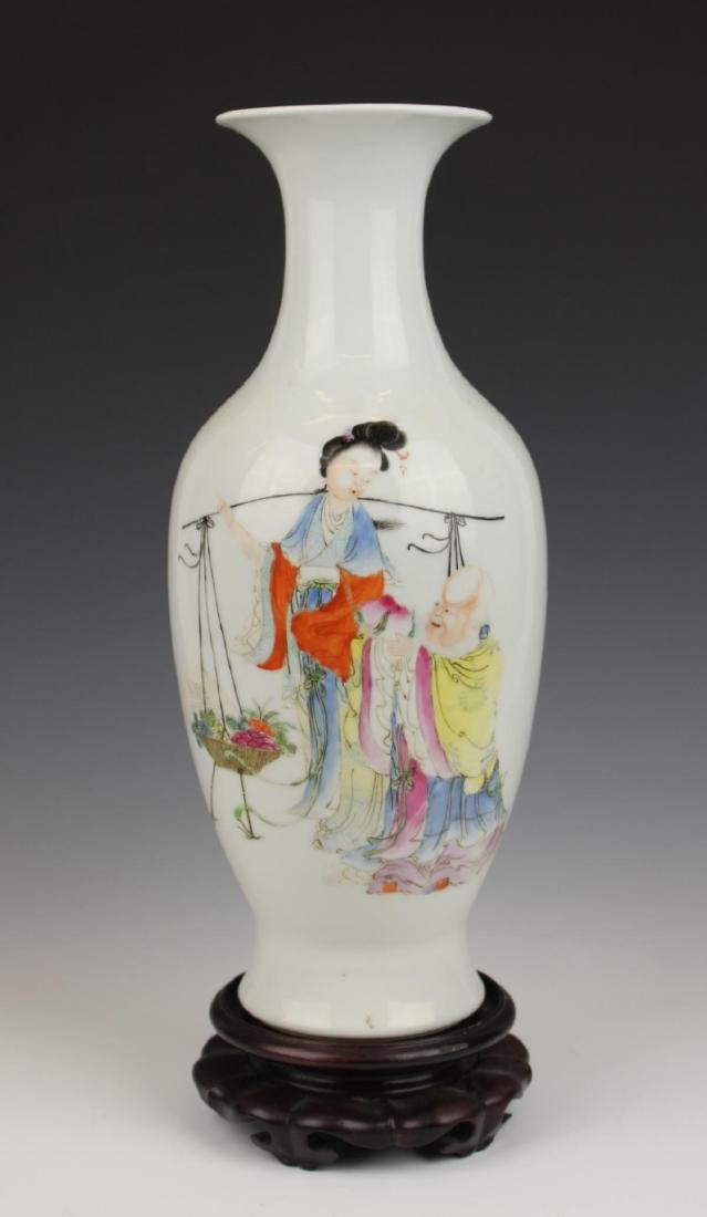 19th/20th C CHINESE FAMILLE ROSE PORCELAIN VASE