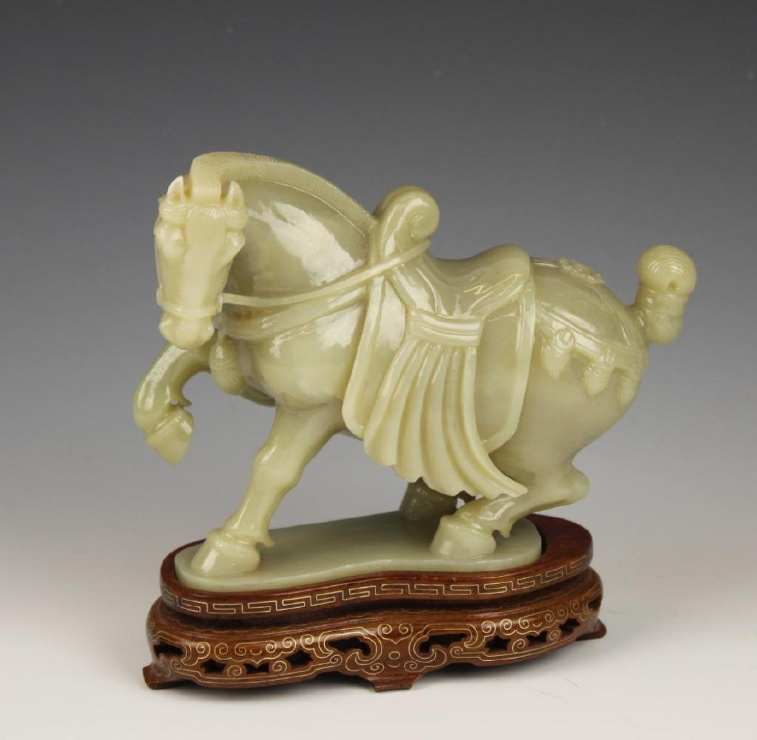CHINESE CELADON JADE CARVED HORSE SCULPTURE