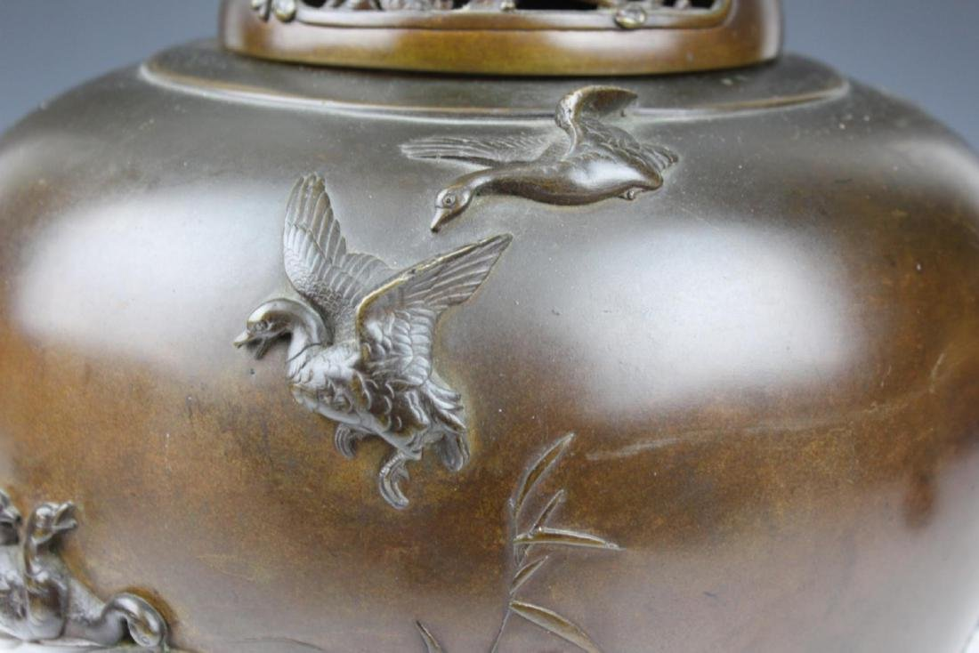 HEAVY CHINESE BRONZE PARADISE BIRDS TRIPOD CENSER - 4