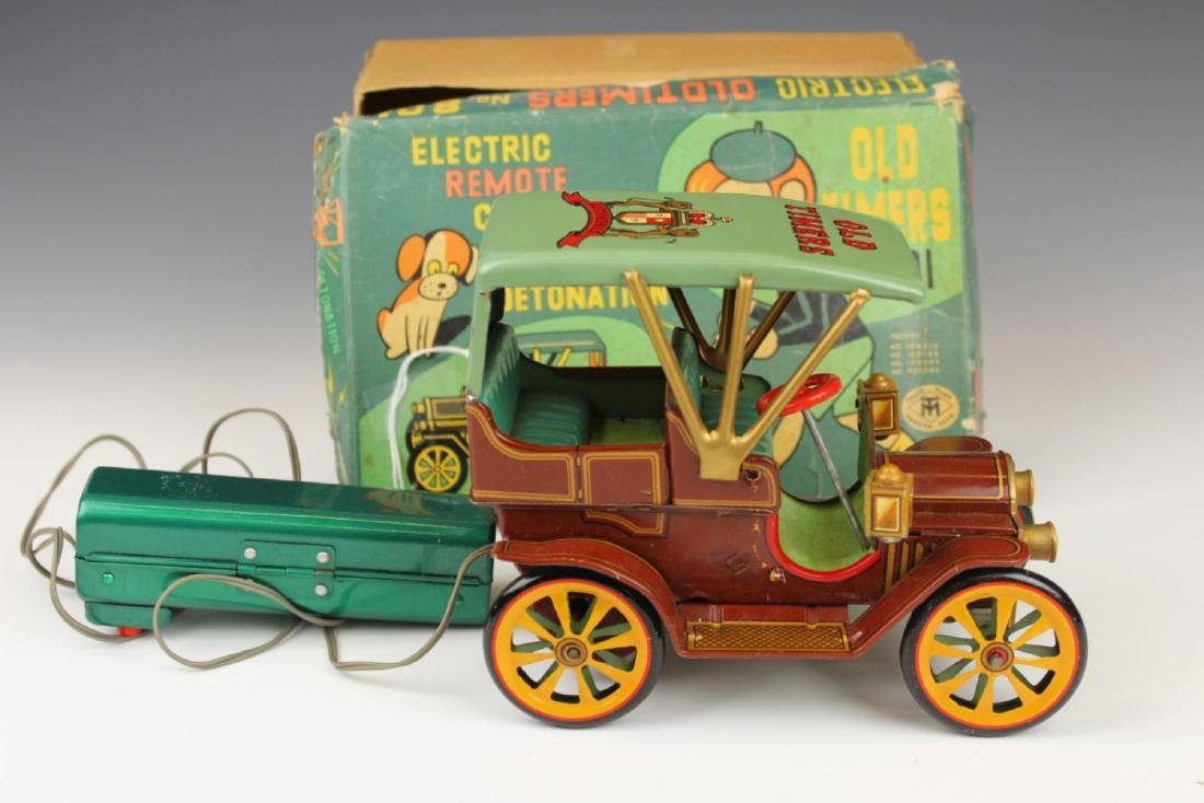 VINTAGE OLD TIMERS ELECTRIC REMOTE TIN CAR