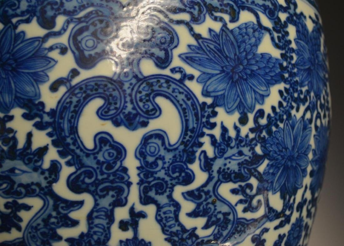 CHINESE BLUE & WHITE PORCELAIN FISH TANK JAR - 3