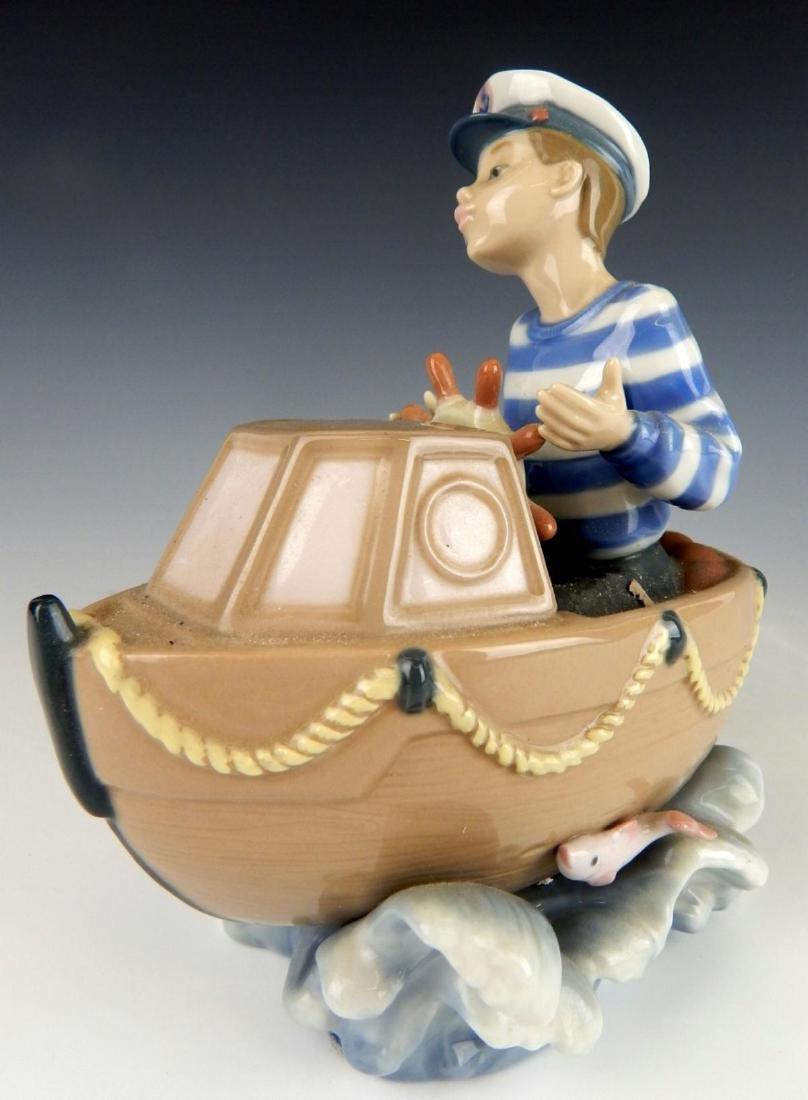 "LLADRO PORCLEAIN ""LITTLE SKIPPER"" FIGURINE 5936"
