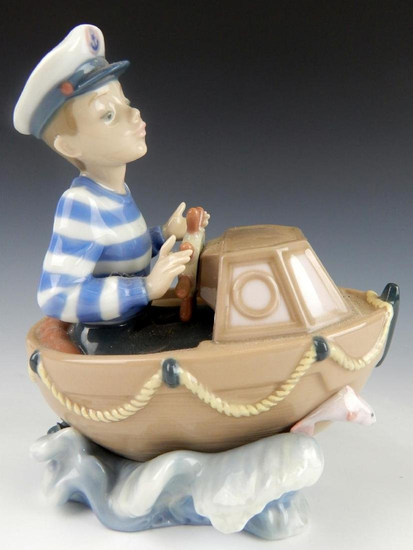 "LLADRO PORCLEAIN ""LITTLE SKIPPER"" FIGURINE 5936 - 4"
