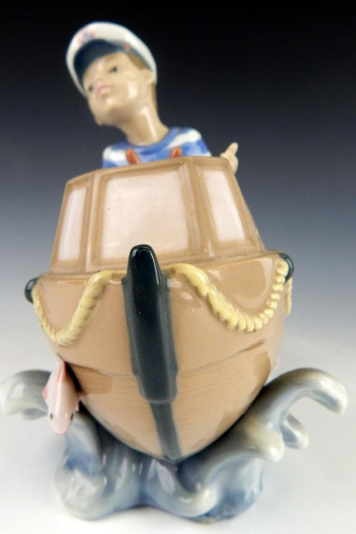 "LLADRO PORCLEAIN ""LITTLE SKIPPER"" FIGURINE 5936 - 5"