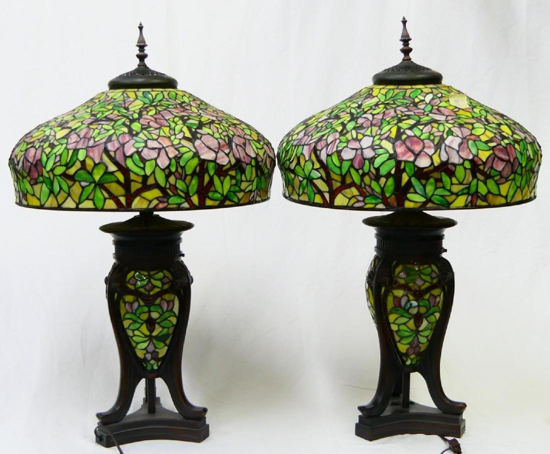 PAIR OF TIFFANY STYLE GLASS & BRONZE FLORAL LAMPS