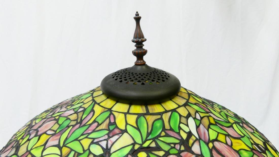 PAIR OF TIFFANY STYLE GLASS & BRONZE FLORAL LAMPS - 2