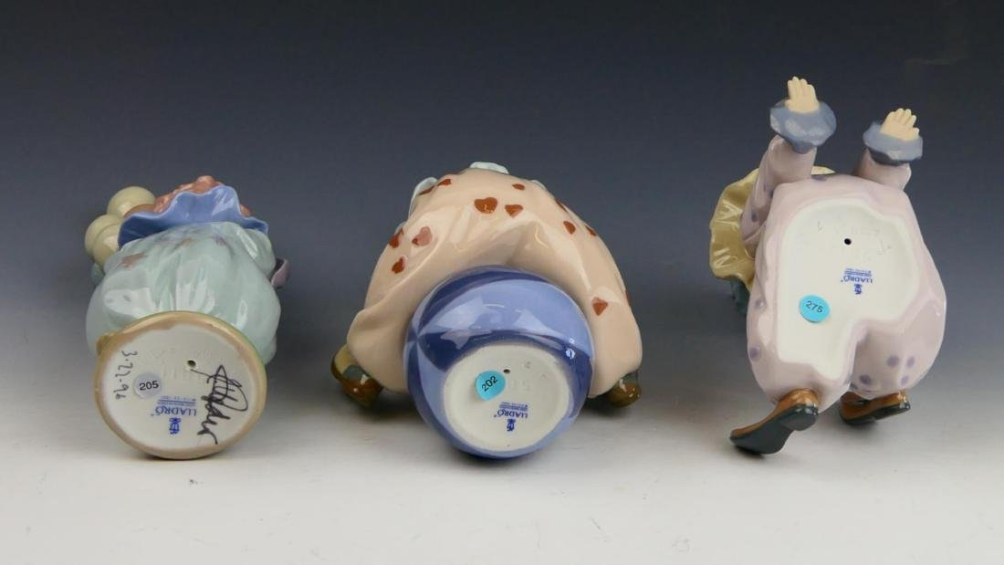 3 LLADRO PORCELAIN FIGURINES OF CLOWNS - 3