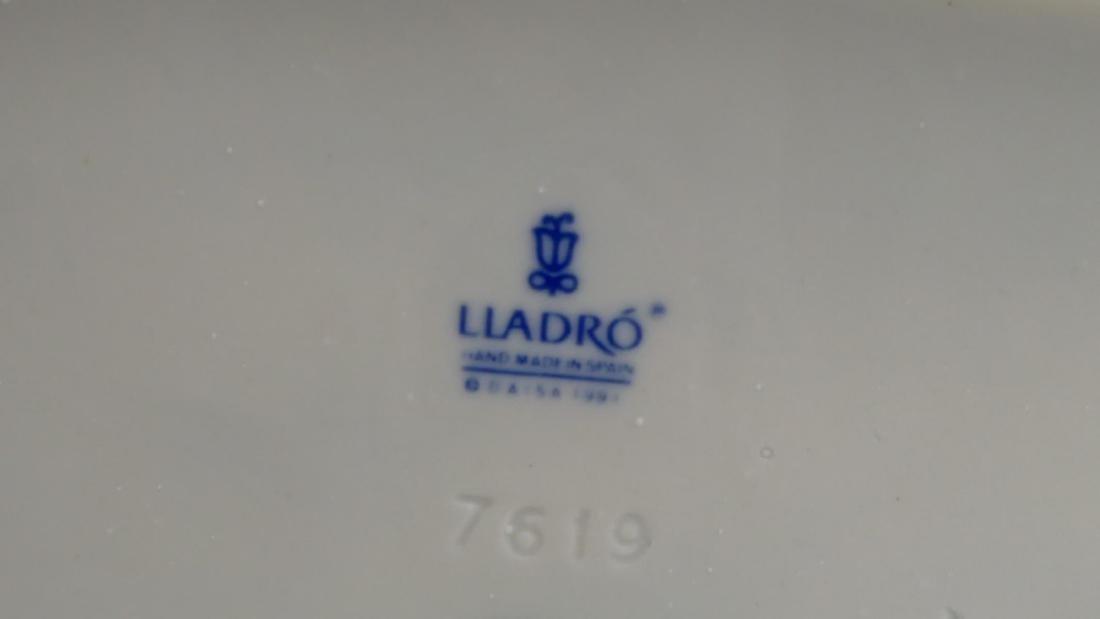 3 LLADRO PORCELAIN FIGURINES - 5