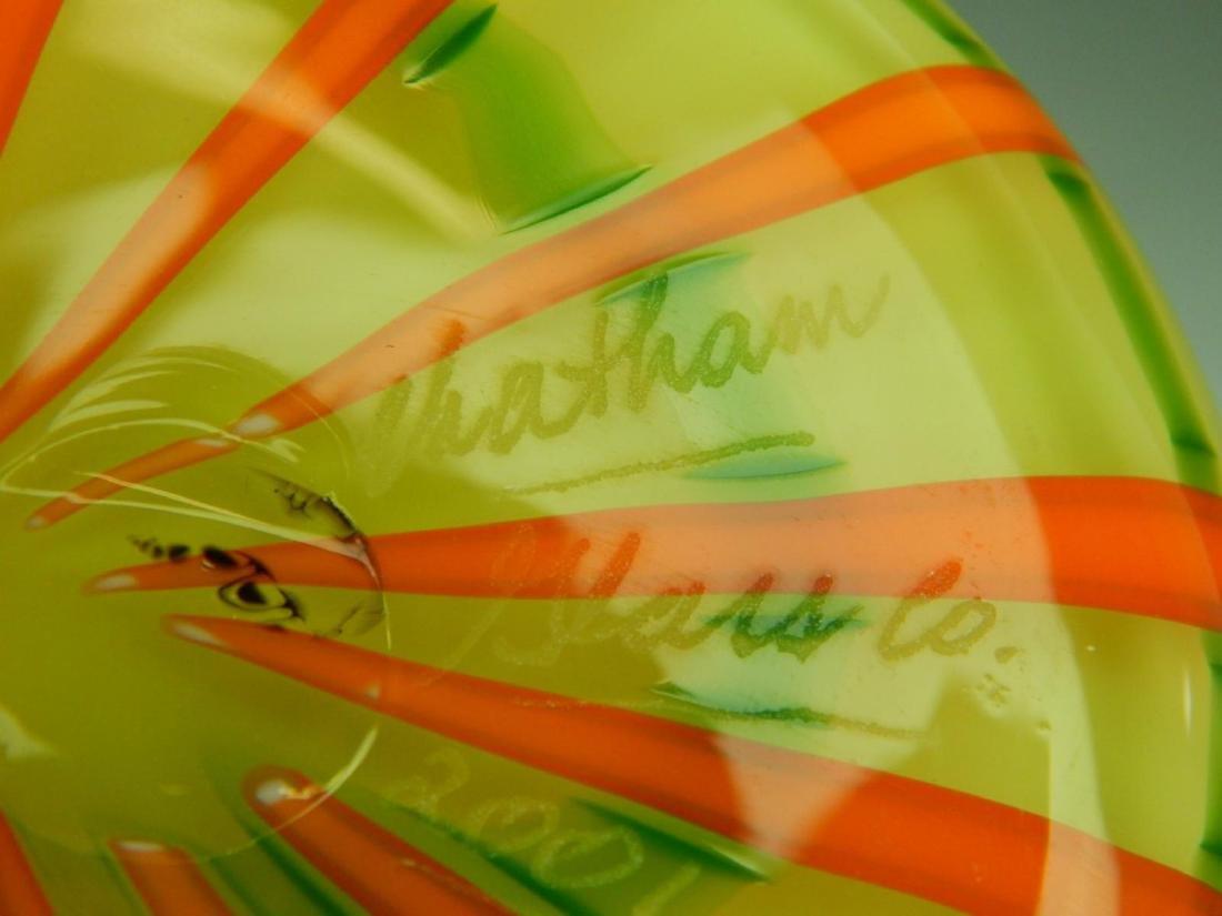CHATAHAM GLASS CO ART GLASS RIBBON VASE - 5