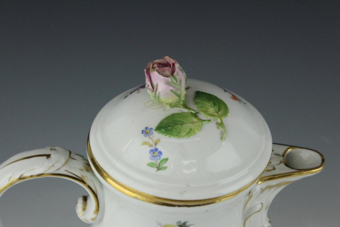 MEISSEN GERMAN PORCELAIN FLORAL SPRAY COFFEE POT - 2