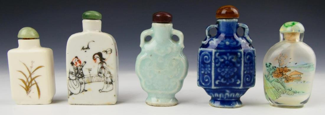 5 OLD CHINESE PORCELAIN GLASS SNUFF BOTTLES