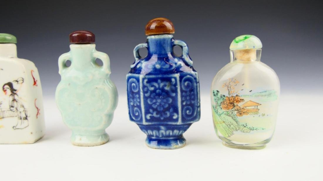5 OLD CHINESE PORCELAIN GLASS SNUFF BOTTLES - 4