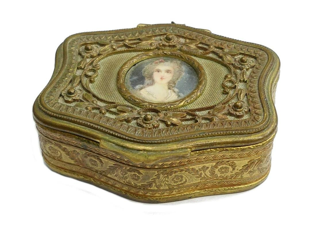 FRENCH ANTIQUE BRONZE PILL BOX WITH PORTRAIT