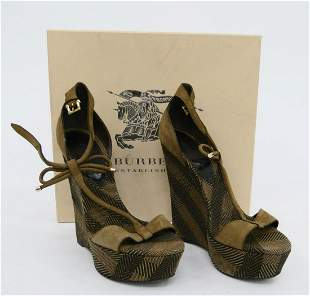 BURBERRY HIGH SHOES LIKE NEW IN BOX