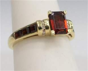 LADIES 14K YELLOW GOLD DIAMONG GARNET RING