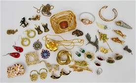 LARGE LOT OF LOVELY VINTAGE COSTUME JEWELRY