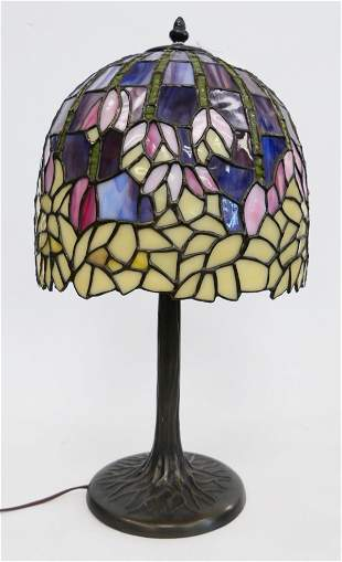 TIFFANY STYLE LEADED GLASS FLORAL LAMP