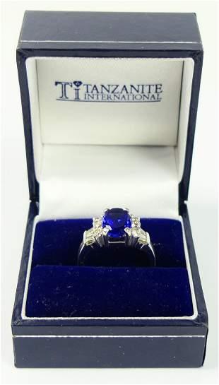 EXTRAORDINARY LADIES DIAMOND TANZANITE GOLD RING