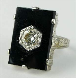 ANTIQUE GOLD ONYX & .40 CT LADIES RING