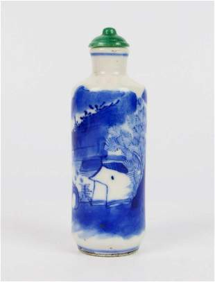 CHINESE QING DYNASTY BLUE & WHITE SNUFF BOTTLE