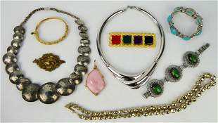 LARGE LOT OF COSTUME JEWELRY INCLUDING SIGNED
