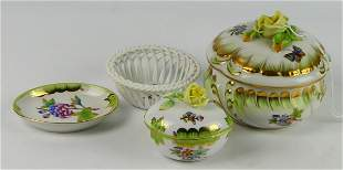 HEREND (4) PIECES QUEEN VICTORIA PORCELAIN OBJECTS