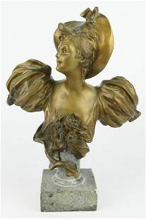 BRONZE BUST OF A VICTORIAN LADY