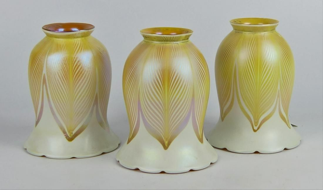 """(3) SIGNED QUEZAL FEATHERED ART GLASS 5"""" SHADES"""
