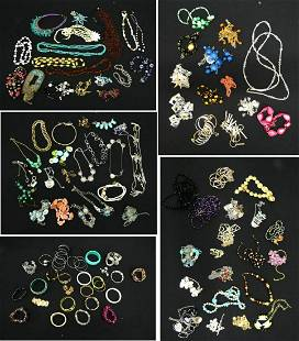 5 BAGS OF HIGH END COSTUME JEWELRY APPROX 90 PCS