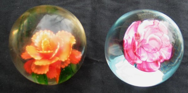 6X: Lot of (2) blown Glass floral paperweights.