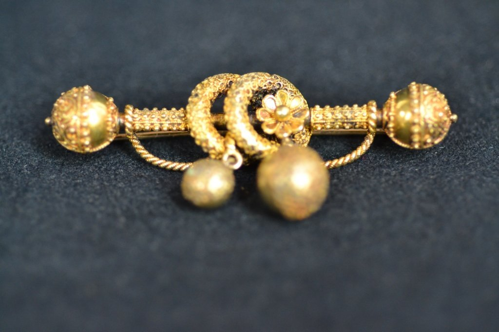 ANTIQUE FANCY 14KT GOLD PIN