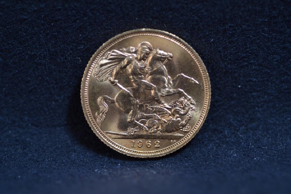 1962 GOLD SOVEREIGN COIN WITH QUEEN ELIZABETH II