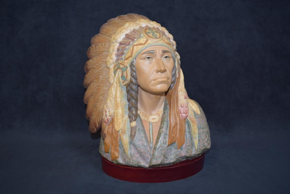 LLADRO INDIAN CHIEF BUST #2127 WITH ORIGINAL BOX