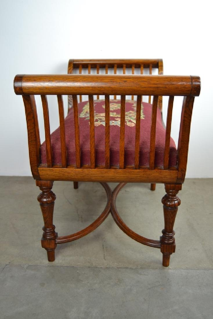 NICELY CARVED 1900'S AMERICAN OAK WINDOW BENCH - 3