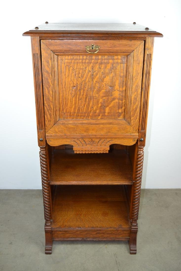1900'S AMERICAN OAK CABINET WITH BUILT IN SAFE