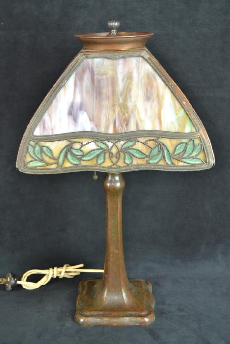 SIGNED HANDEL 4 PANEL SLAG GLASS TABLE LAMP