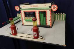 1930s Texaco service station by Rich toys