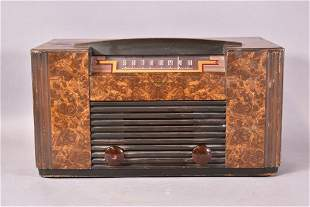 RCA VICTOR MODEL 64F3 TABLE TOP RADIO