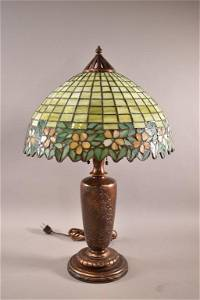 SIGNED HANDEL LAMP WITH LEADED GLASS SHADE