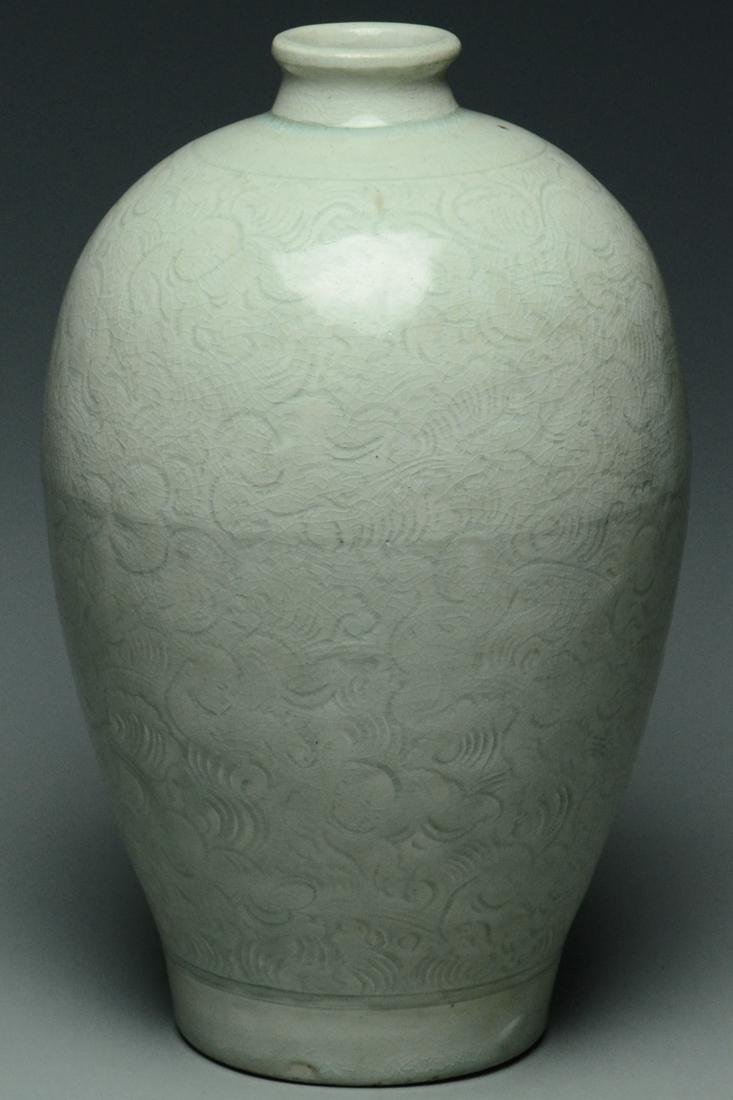 SONG DYNASTY QINGBAI BOYS MEIPING VASE AND STAND - 6